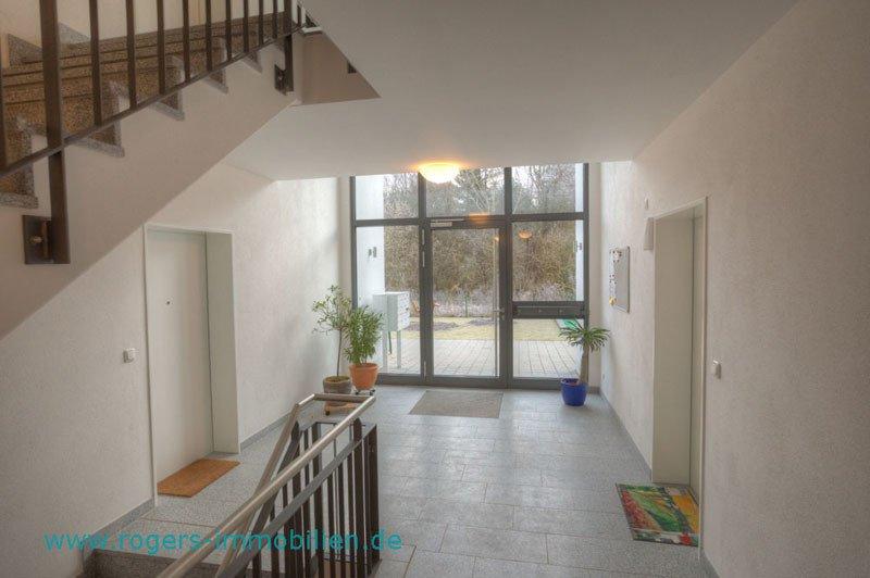 2 Zi Wohnung Wolfratshausen Blick zum Hauseingang