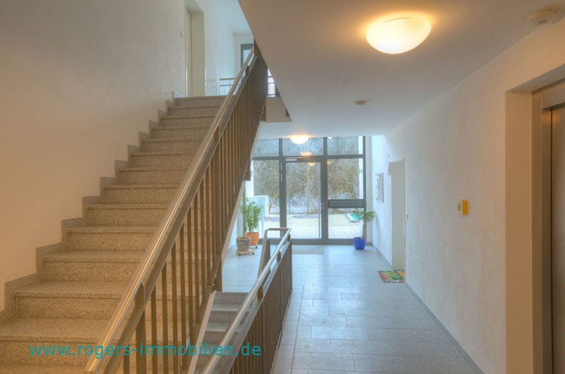 2 Zi Wohnung Wolfratshausen Treppenhaus