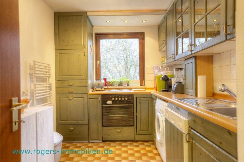 Immobilien München Wohnung Blick in die Küche