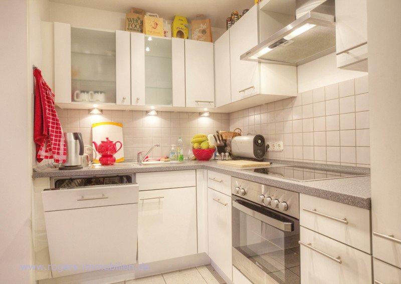 Muenchen Forstenried Wohnung Kueche mit EBK