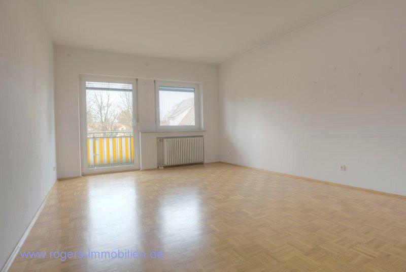 Hübsche Wohnung mit EBK und Parkett in ruhiger Lage