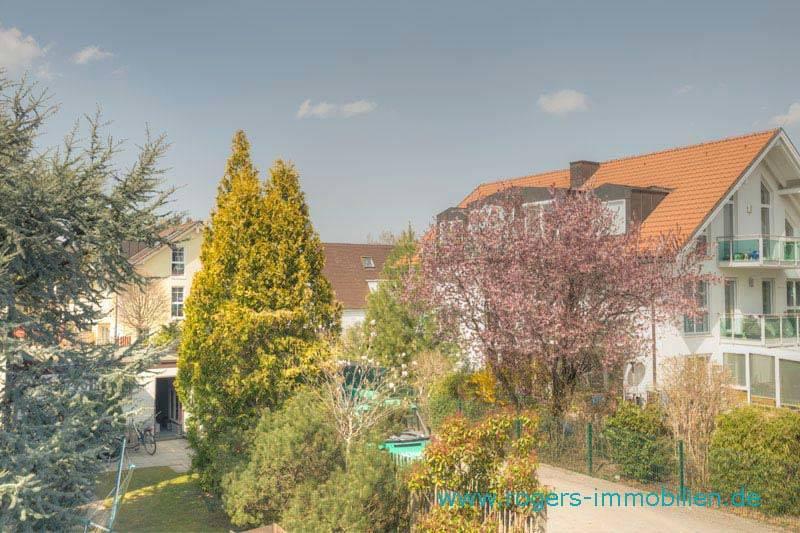 Zu vermieten, Forstenried Ost, 3 Zi-Wohnung mit ca. 71 qm, Blick zum Haus