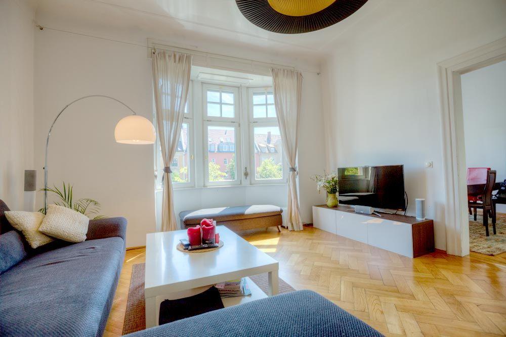 neuhausen charmante altbauwohnung mit flair. Black Bedroom Furniture Sets. Home Design Ideas
