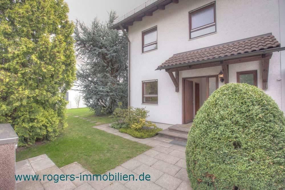 Großzügiges Haus mit tollem Wintergarten
