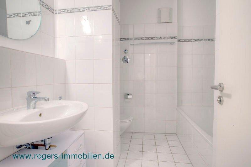 München Obersendling Immobilienmakler Wohnung mieten Bad mit Wanne Dusche
