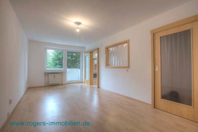 München Sendling Immobilienmakler Wohnung Blick ins Wohnzimmer