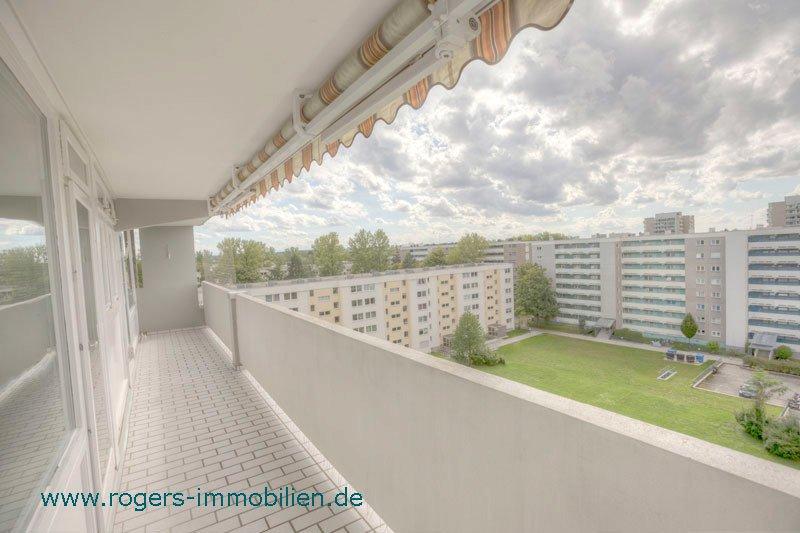 München Solln Immobilienmakler Wohnung kaufen Großer Balkon