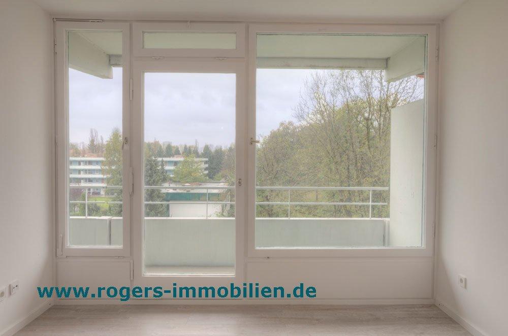 Erstbezug nach Renovierung: Helle Wohnung in Bogenhausen