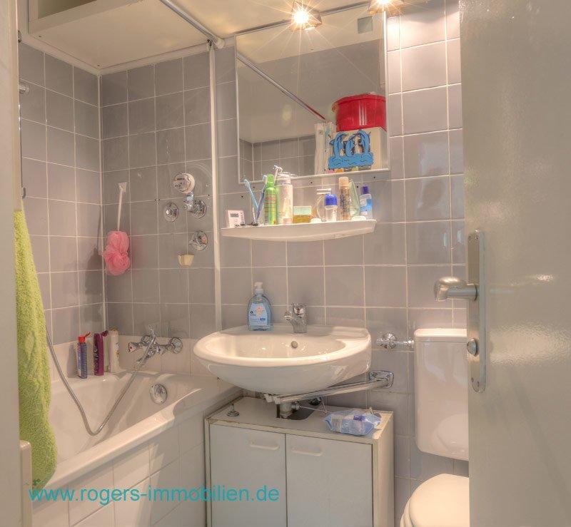 München Giesing Immobilienmakler Wohnung kaufen Bad mit Wanne