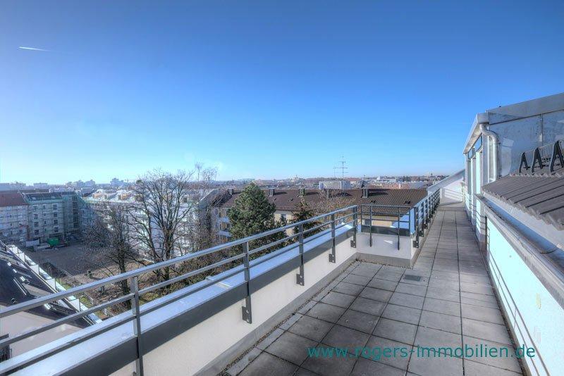 München Laim Immobilienmakler Dachgeschosswohnung Dachterrasse