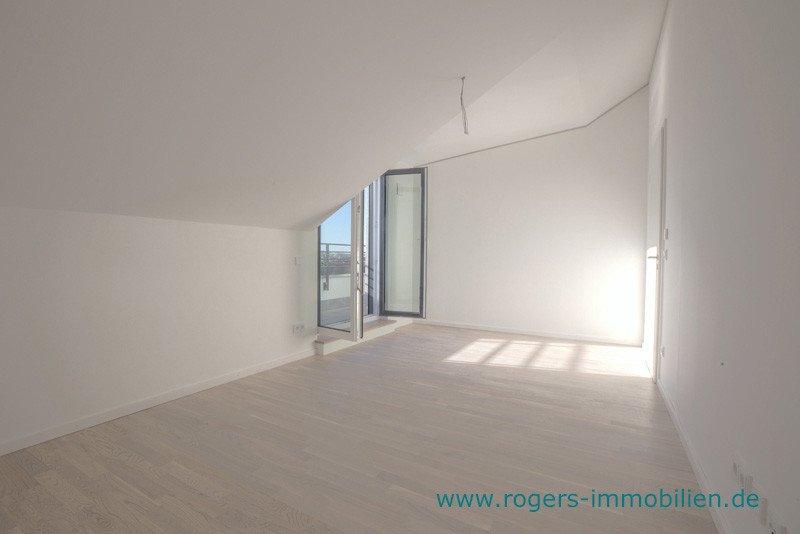 München Laim Immobilienmakler Dachgeschosswohnung Schlafzimmer