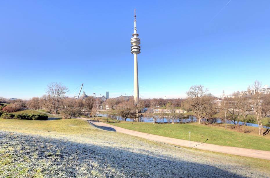 München Olympiapark mit Fernsehturm