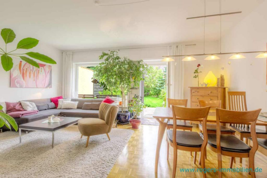 Planegg Immobilienmakler Haus vermieten Blick ins Wohnzimmer