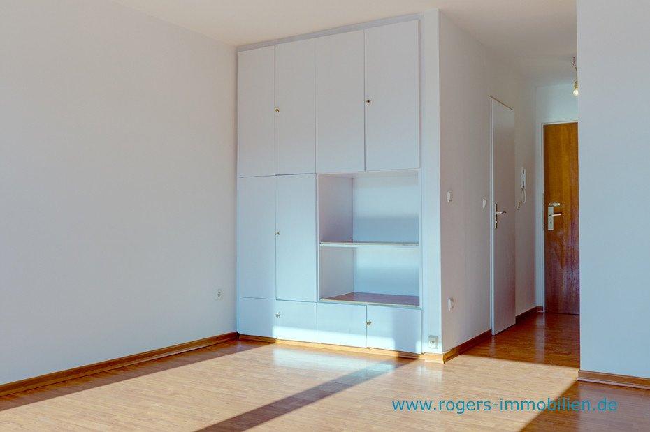 helle wohnung mit gutem schnitt ab sofort verf gbar. Black Bedroom Furniture Sets. Home Design Ideas