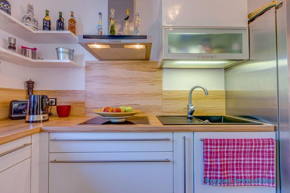 Separate Küche mit hochwertiger EBK