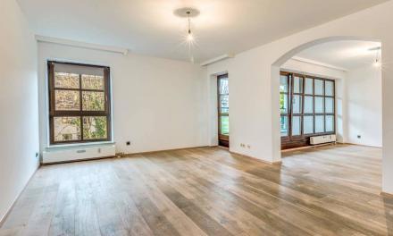 Perfekt gelegene Maisonette Wohnung mit zwei Balkonen