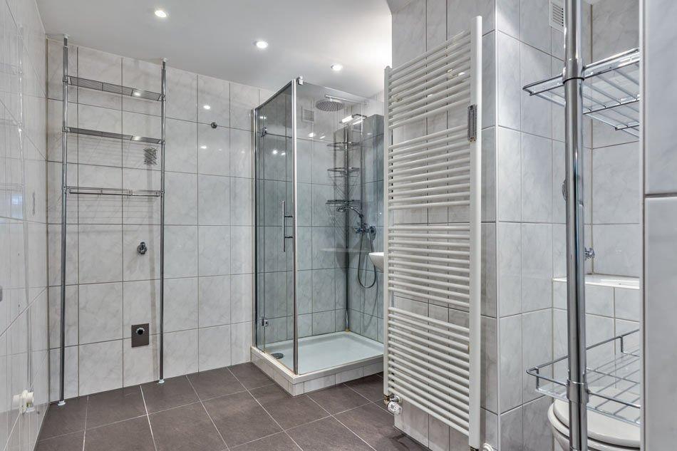 Neuwertiges Bad mit toller Ausstattung