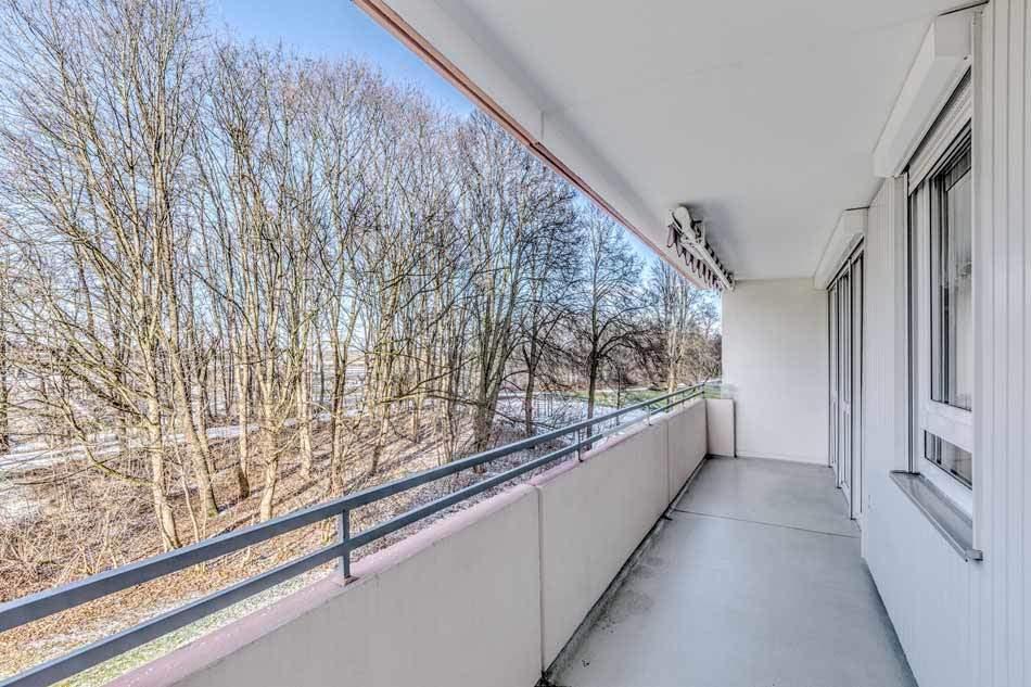 Sehr gro z gige wohnung im top zustand virtuelle 3d tour for Fenster gemeinschaftseigentum