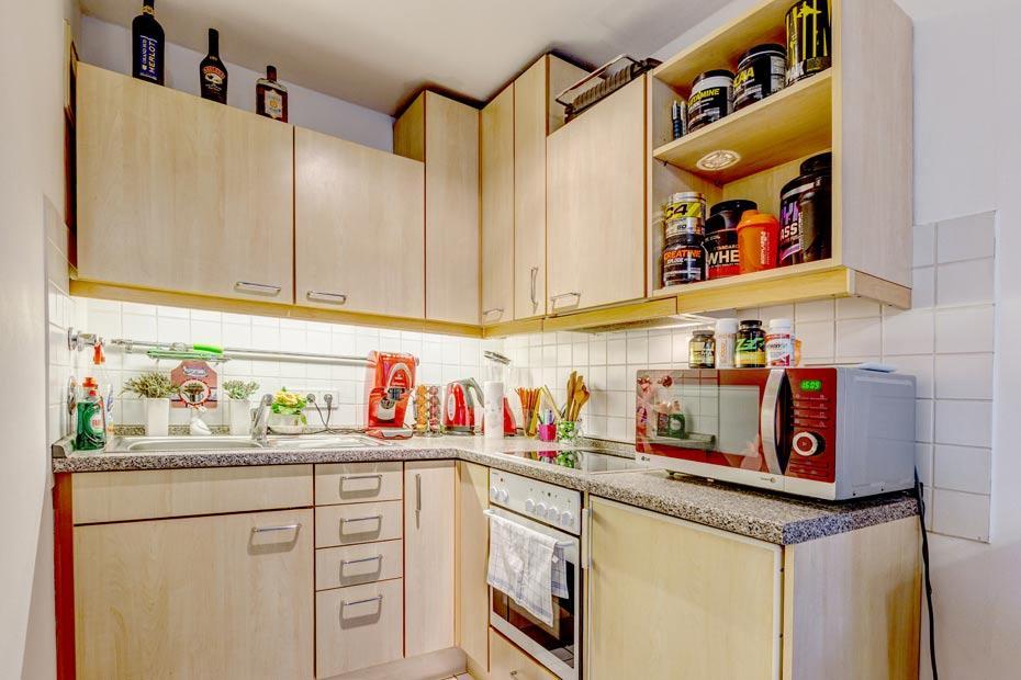 Kleine Küche mit EBK