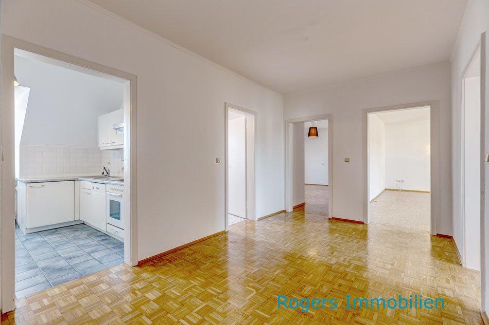 München Perlach Immobilienmakler, Wohnung, Treppenhaus 3