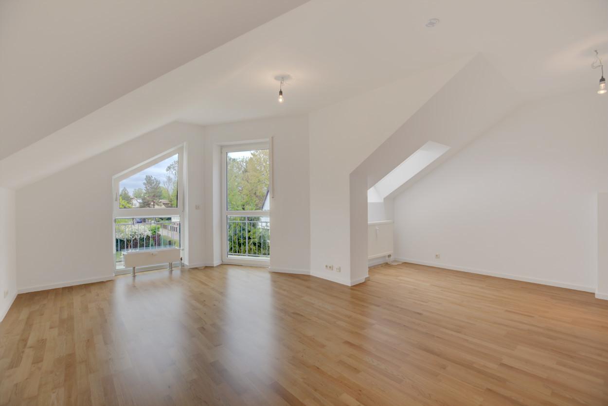 Hübsche Wohnung im Dachgeschoss mit neuen Parkettböden