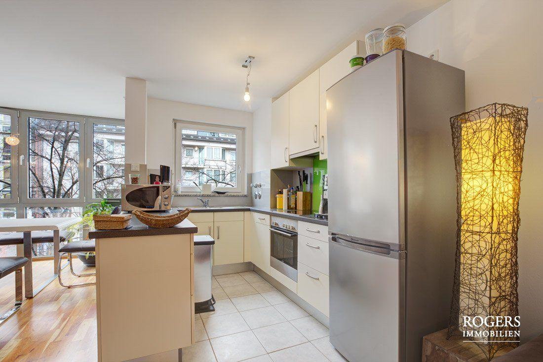 Blick zum Essbereich und Küche